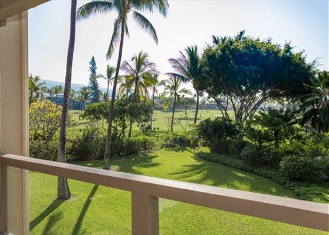 Surf & Racquet Club Lovely open and airy 2bd/2bth 2nd floor unit., vacation rental in Island of Hawaii