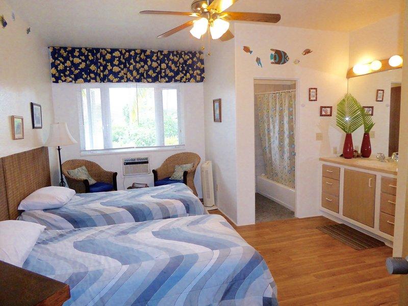 Ocean room with 2 twin beds