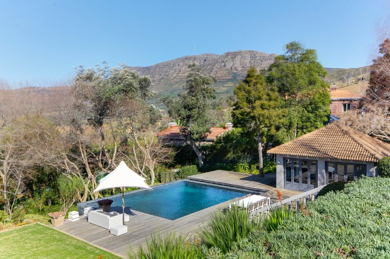 Stunning views of Constantia mountains