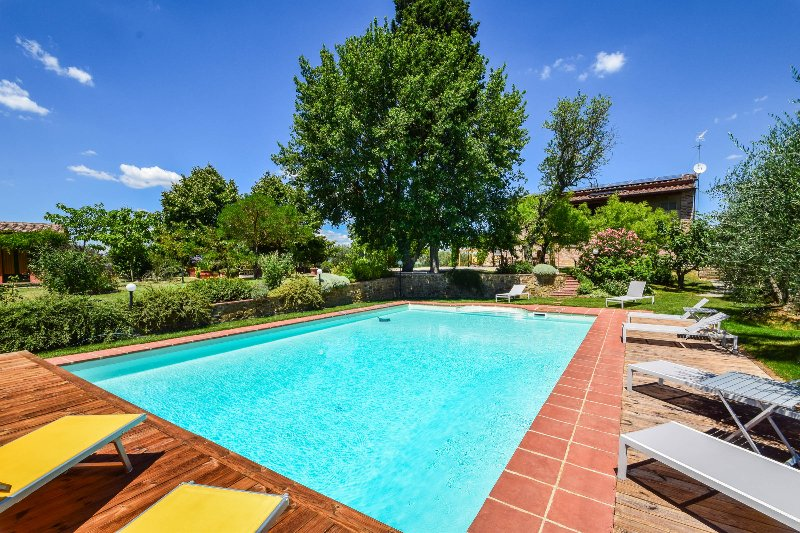 Villa with private pool,airco & Wi-fi, 4km from village 35km from Siena/Arezzo, holiday rental in Sinalunga