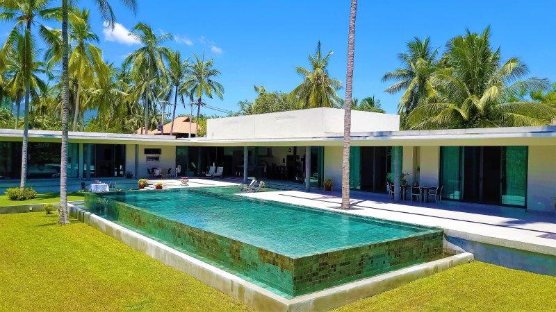 SHV: Shades Private Villas with swimming pool, location de vacances à Lipa Noi