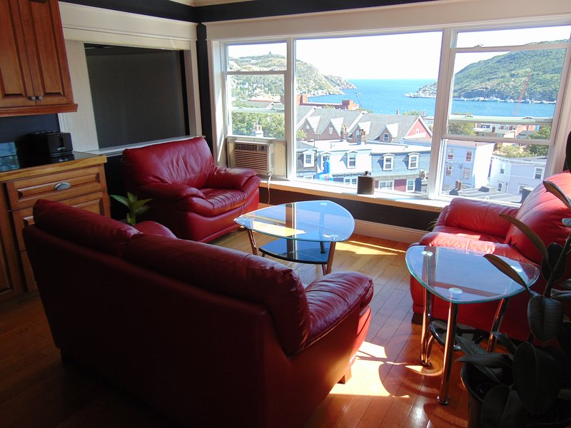 5 Bedroom Penthouse, location de vacances à Petty Harbour
