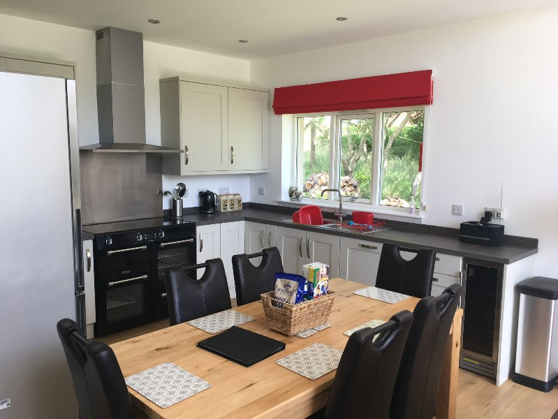 Fully Equiped kitchen with double range cooker