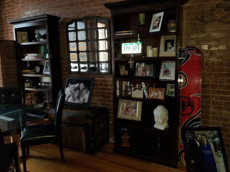 Downtown Livin' above Restaurant & Brewery, holiday rental in Perryville
