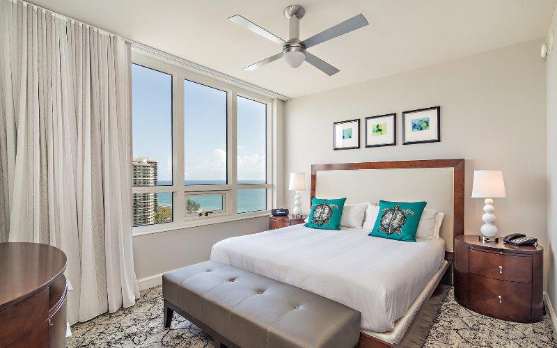 Ocean view 2 bedroom condo #1009, vacation rental in Singer Island