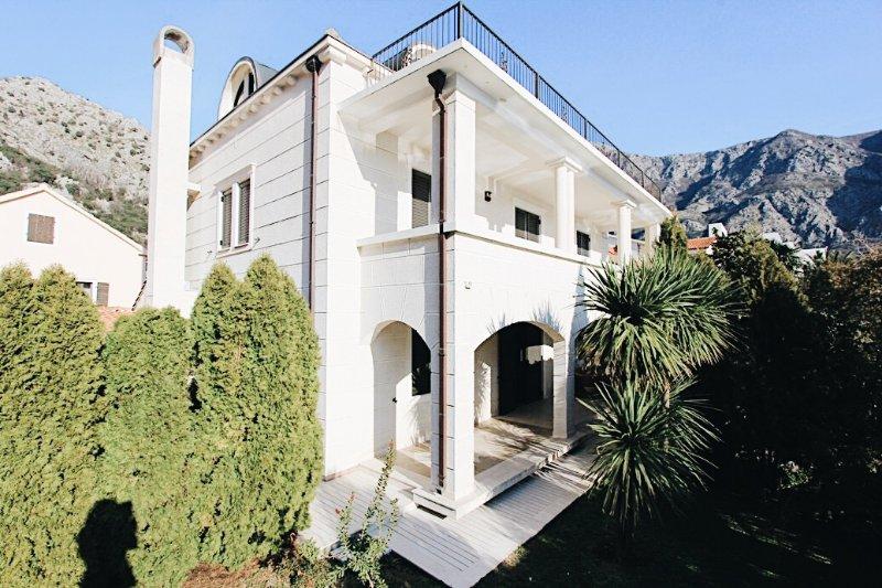 Villa Teuta, holiday rental in Bogetici