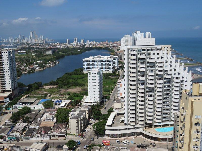Uitzicht vanaf de ingang van het appartement / Vista desde el ingreso del apartamento