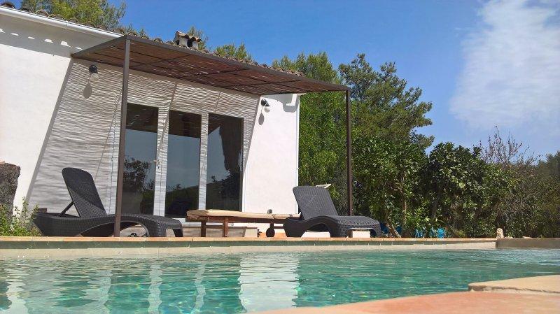 Villa Lorenzo private pool, vacation rental in Sa Pobla