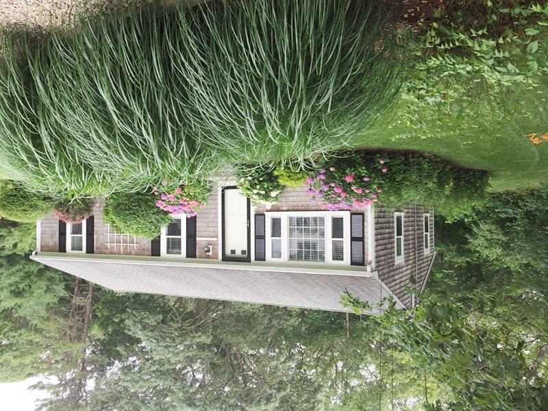 Njut av frodig gräsmatta och trädgårdar! - 37 Jacqueline Circle West Yarmouth Cape Cod New England Semesterbostäder