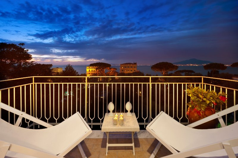 Eden House Amazing Seeview Apartment No Car Needed Master And