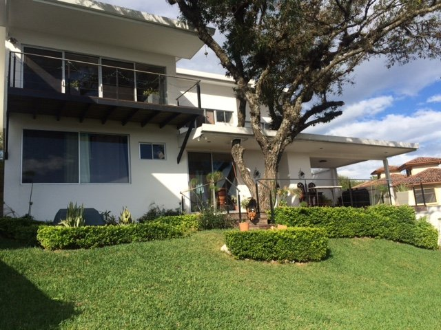 Luxurious House in Gated Community in San Jose, Costa Rica - Spectacular View, holiday rental in San Rafael de Escazu