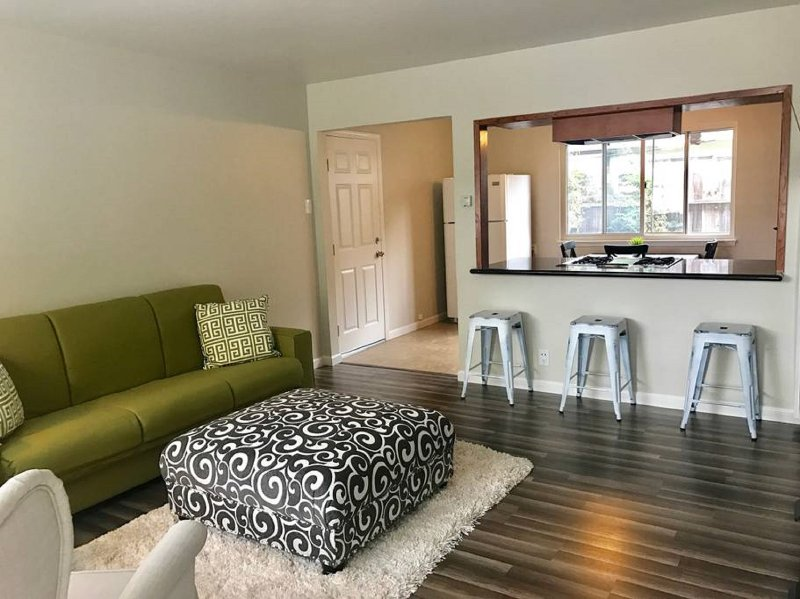 Cute, cozy two bedroom home in fantastic location!, vacation rental in Sunnyvale