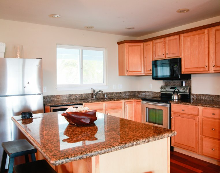 Large kitchen for you to prep your meals, or make a great picnic snack to bring with you.