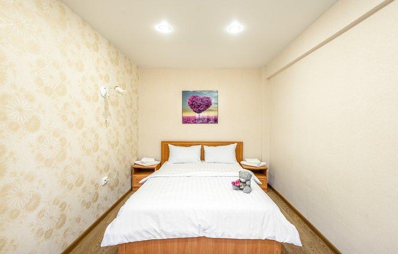Chambre, grand lit double