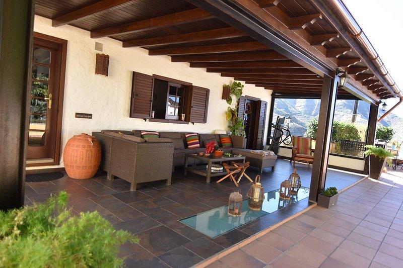 Los Jazmines, casa con jacuzzi y hermosas vistas, aluguéis de temporada em Agaete