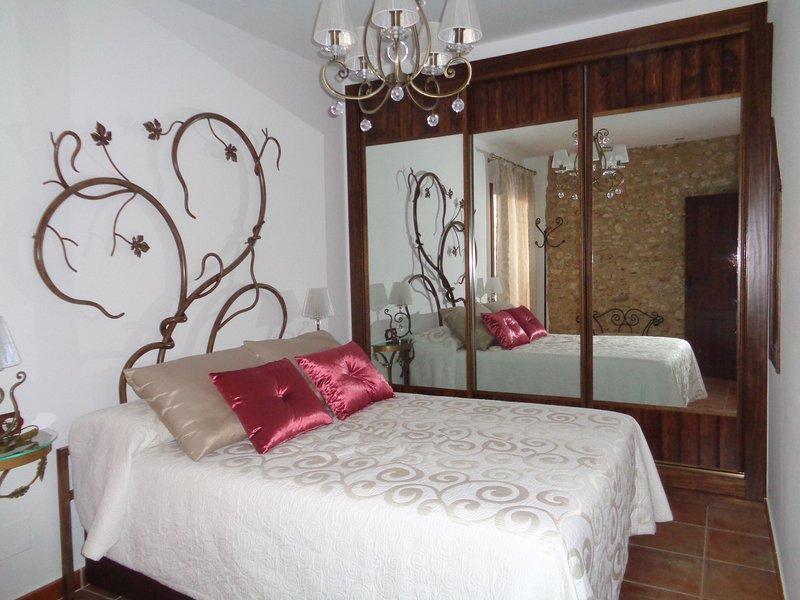 Precioso y lujoso alquiler vacacional en Colomera, Granada, holiday rental in Colomera