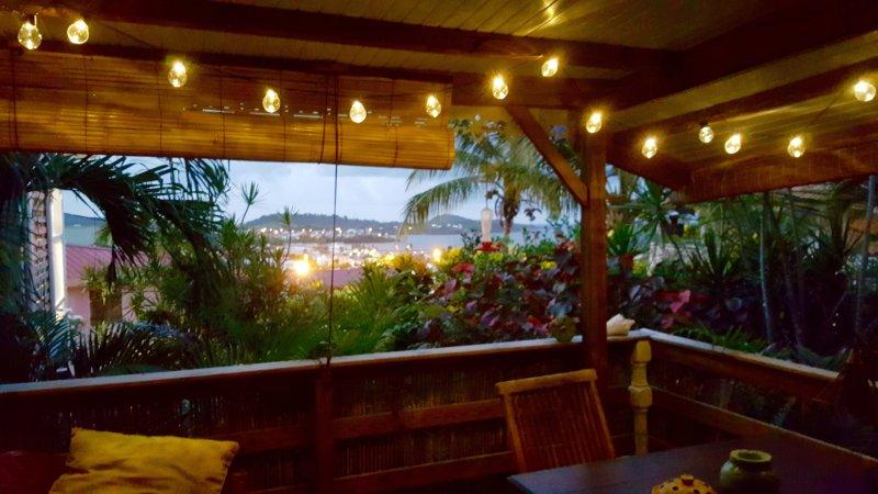 estúdio Bamboo Terrace Bwa com vista mar