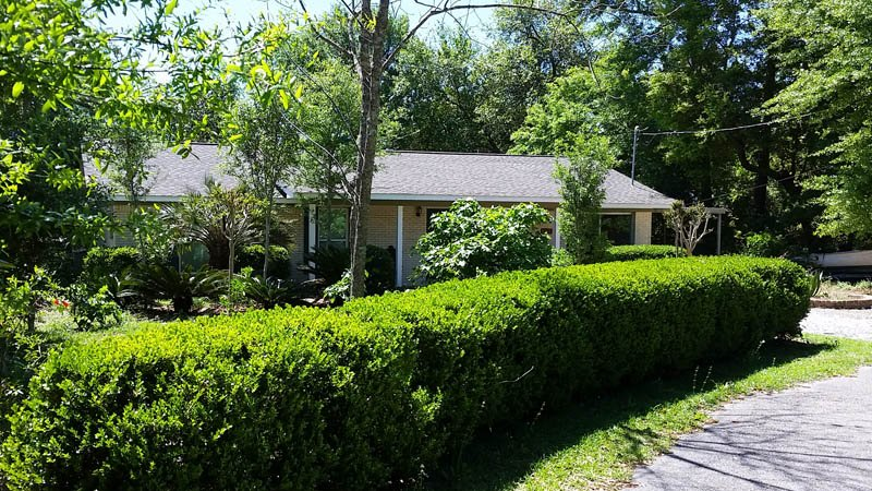 Harbor Garden House in old Ocean Springs - private and serene gardens and woods, holiday rental in Gautier