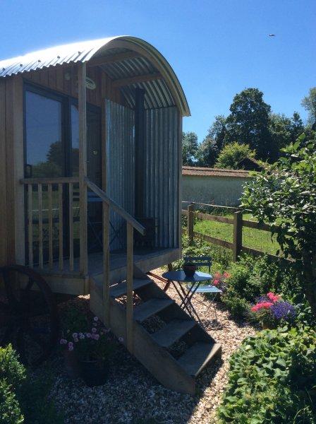 O Hut no jardim