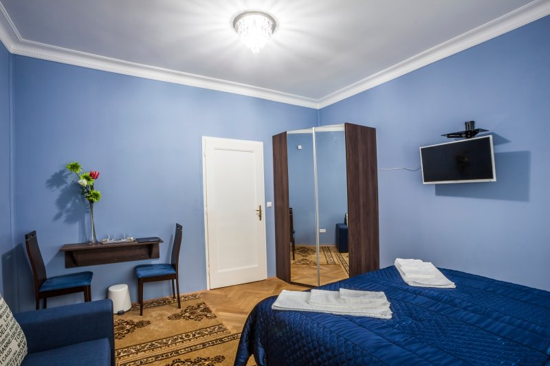 Super Kindvriendelijk Appartement : Tripadvisor penmoor place super king room blue with sofabed