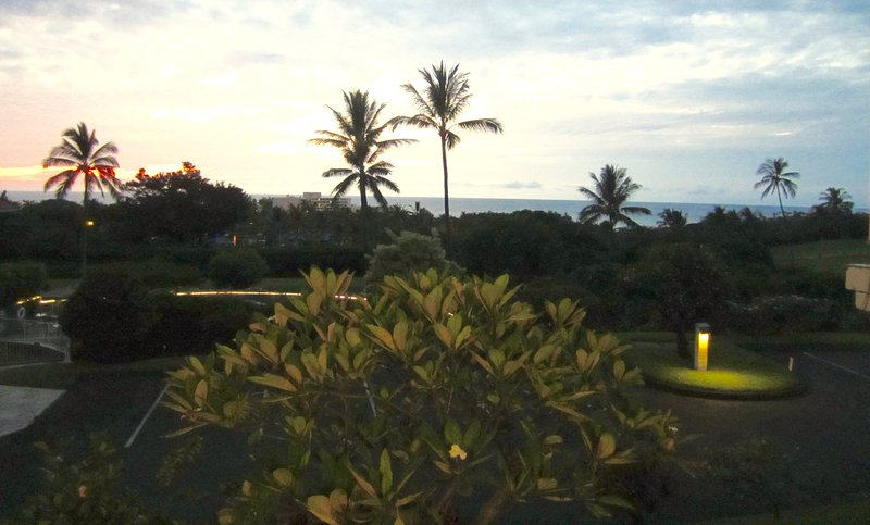 Ocean Views, Paradise Found. Big Island Condo Offers Affordable Luxury, alquiler de vacaciones en Keauhou