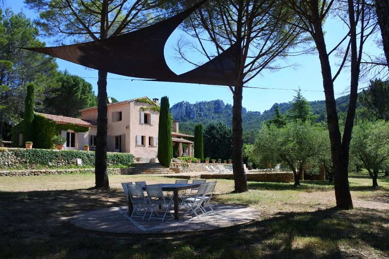 La Bastide de la Provence verte, chambre d'hôtes de charme, calme absolu à 35 minutes de la mer