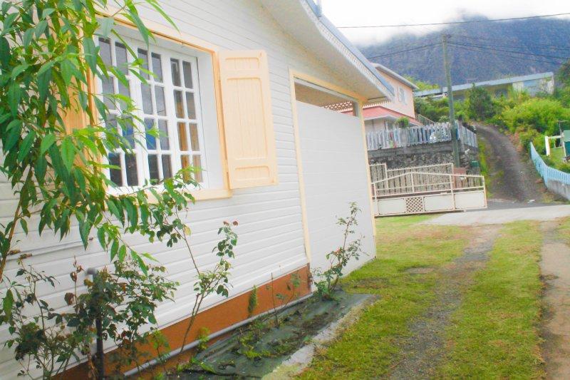 Big house with garden & terrace – semesterbostad i Cilaos