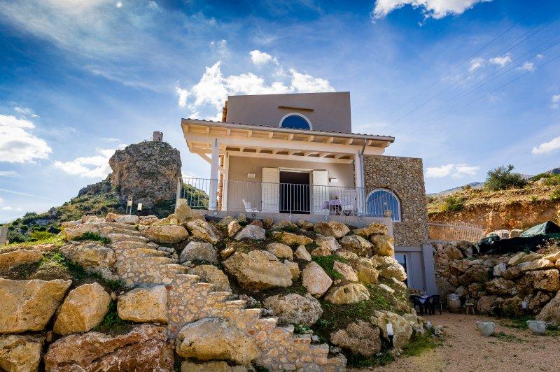 Villa Rosaria 2 Km dalla RIserva Naturale dello Zingaro, alquiler de vacaciones en Castellammare del Golfo