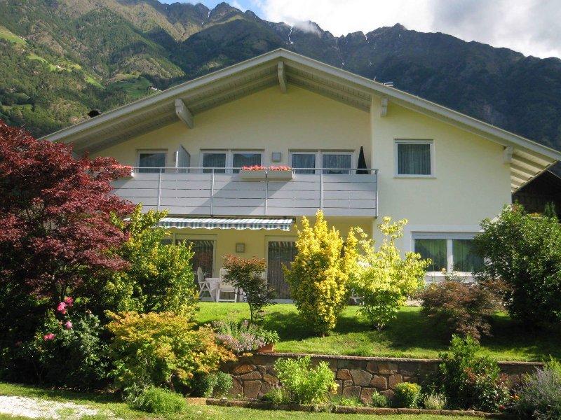 Haus Schweitzer Ferienwohnungen, Ferienwohnung in Ultimo (Ulten)