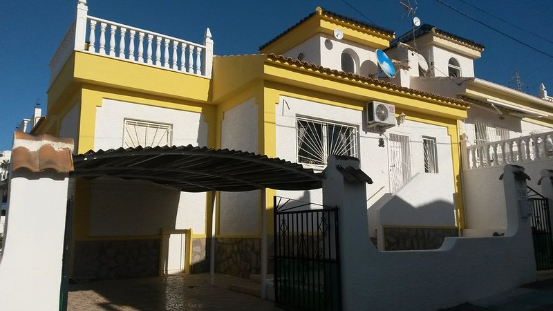 Front of the house - with carport and roof terrace