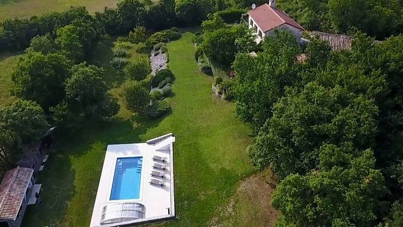 Romantic secluded country house Our Istria, casa vacanza a Kotli