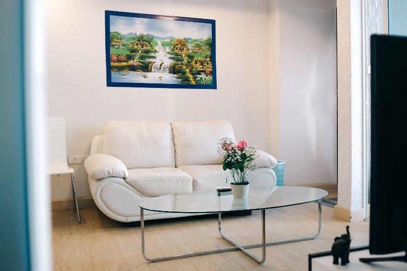best modern condo 1 bd/1ba near nimman & doi suthep, holiday rental in Chang Phueak