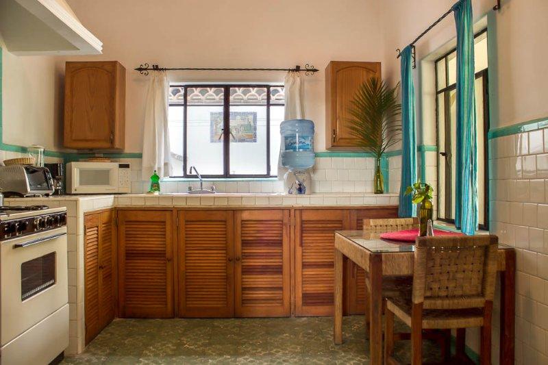 Cocina equipada/ Equipped kitchen.