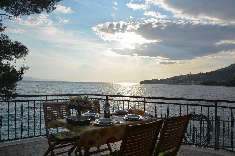 Exclusive sea view apartments - Beachouse Filip A1, aluguéis de temporada em Zivogosce