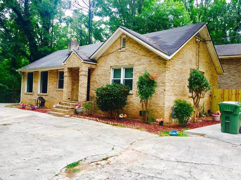 5 To 17 Mins From All Of The Tourist Attractions, holiday rental in Atlanta