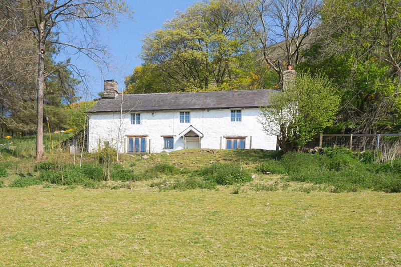 Hirnant Villa Sleeps 8 - 5217875, holiday rental in Llanwddyn