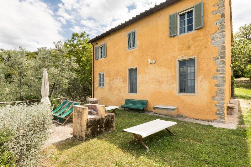 Panzano Villa Sleeps 8 with Pool - 5049005, vacation rental in Nusenna
