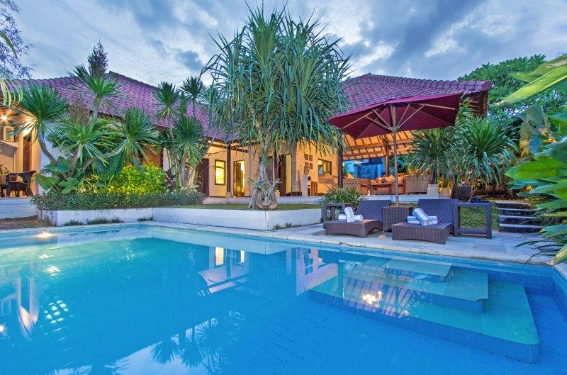 Finn's Villa Santai 2, private Villa with private pool., location de vacances à Kerobokan