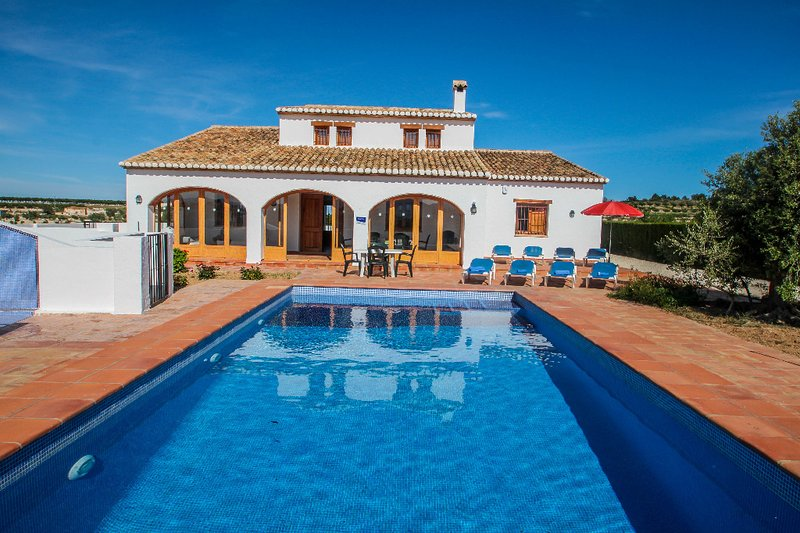 Finca Pepa - beautiful little house in pretty grounds with lovely views in Benis, holiday rental in Canor