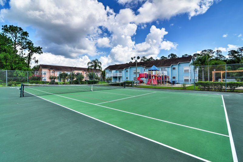 This bright condo places you in the heart of all the popular Orlando area attractions!
