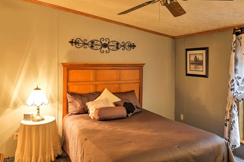 Retreat to 1 of the 3 bedrooms outfitted with silky smooth sheets to give guests the ultimate sweet dreams!