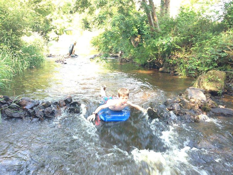 Navegar por el río!