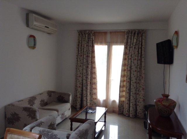 2 Appartements meublés à louer, location de vacances à Libreville