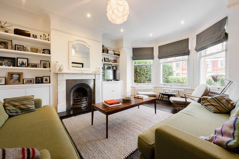 Gorgeous, 4 Bed Victorian house in North West London, with private garden.