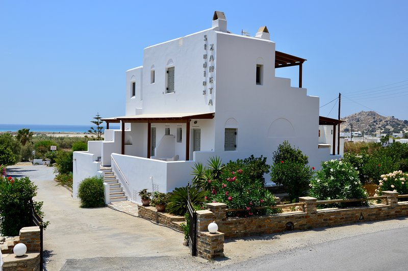 Zanneta Studios - Studios with Sea View, holiday rental in Mikri Vigla
