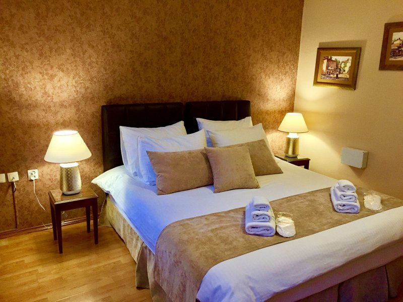 Our Beautiful Deluxe Double Room - SAMM ŠEHER HOTEL