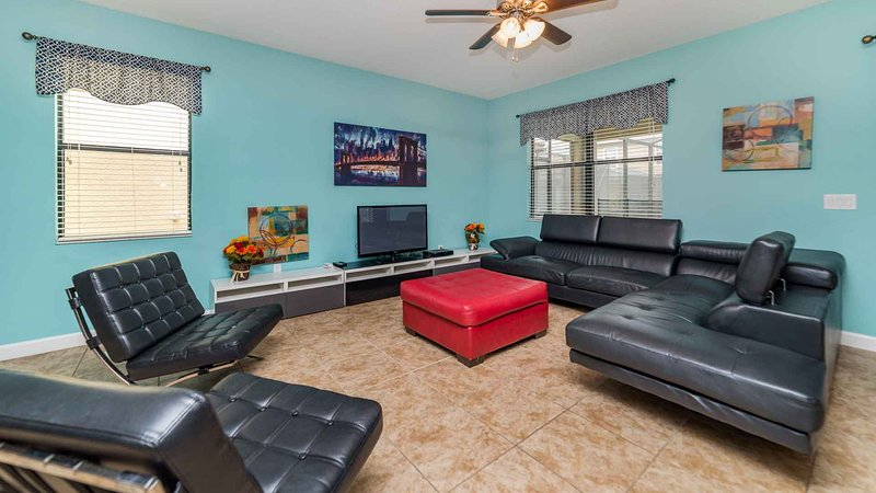 ⭐Comfy Villa w/ Golf Clubhouse - Adventure & Thrills For Everyone⭐, vacation rental in Polk City