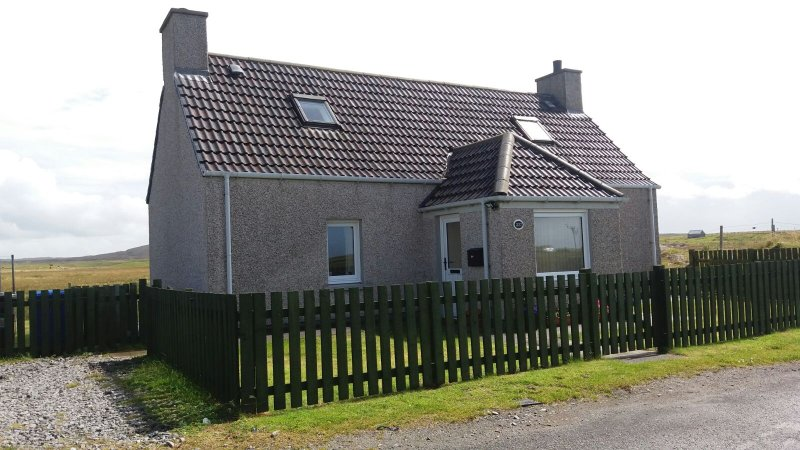 Family House, vacation rental in Lochboisdale
