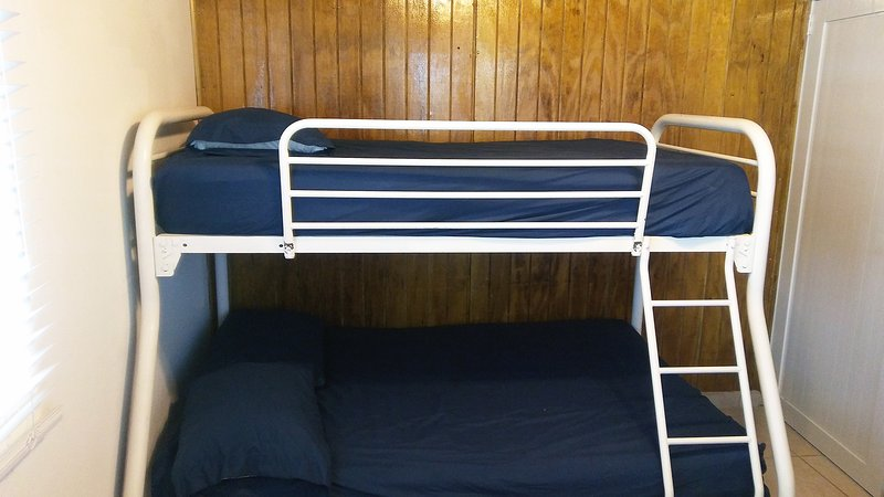 Bedroom B-Bunk Beds-Sleeps 3-Remote Control A/C-Ceiling Fan.