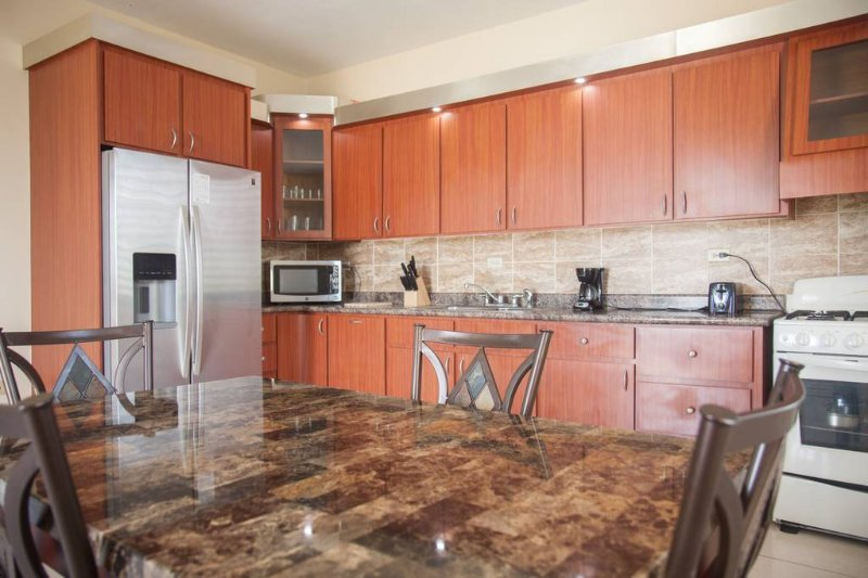 House near Montones beach 8 people, vacation rental in Isabela